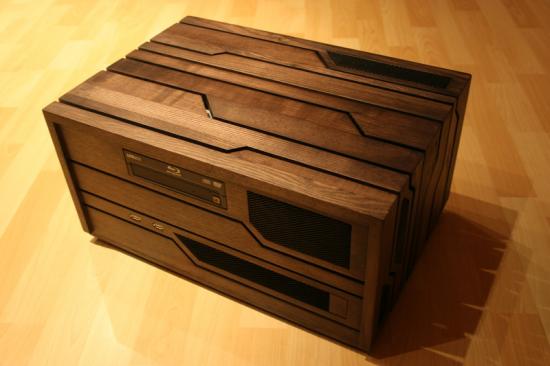 en bois entièrement fabriqué à la main présenté chez PcINpact